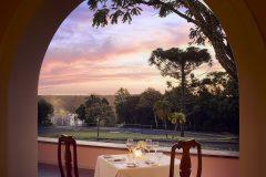 Itaipu-restaurant-dinner-looking-to-the-Falls-veranda